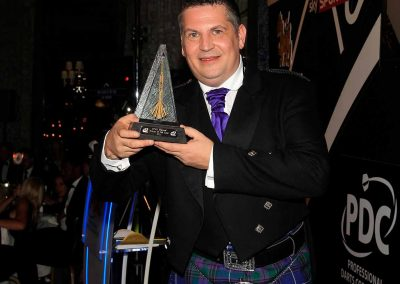 Gary Anderson with his player of the year trophy