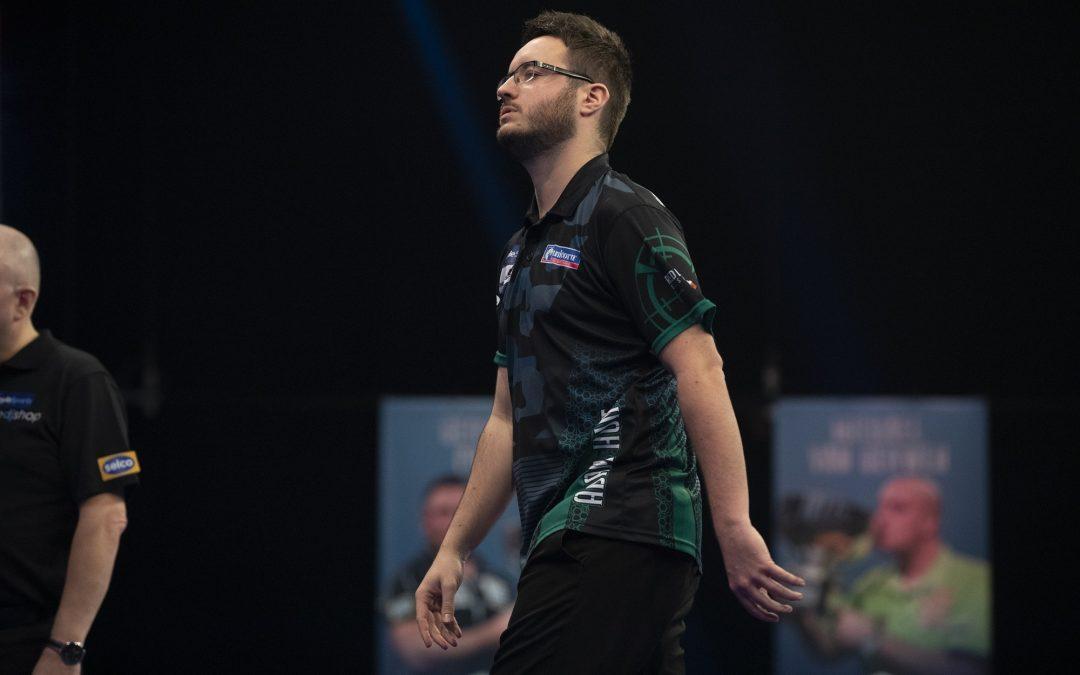 Hunt falls in last 16 of Grand Slam
