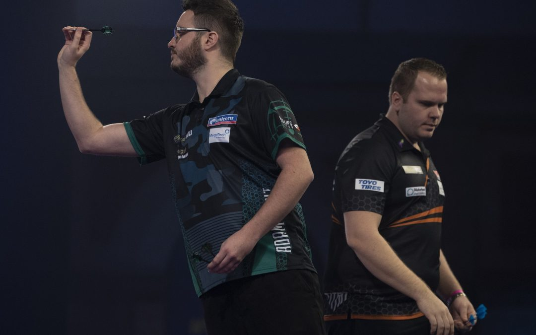 Hunt beaten by Van Duijvenbode at World Darts Championship