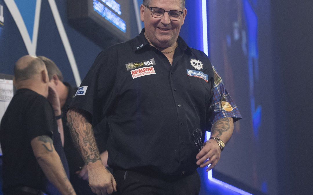 Anderson advances to last eight of World Darts Championship